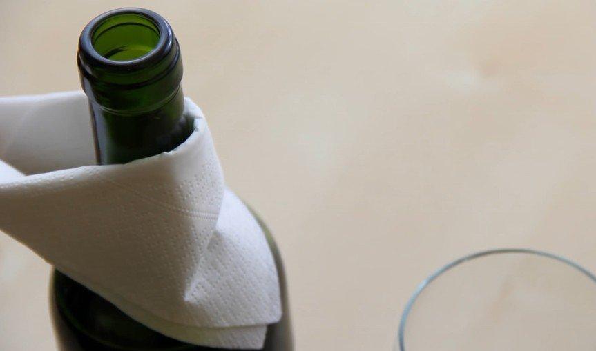problemas-cotidianos-evitar-goteo-botella-de-vino